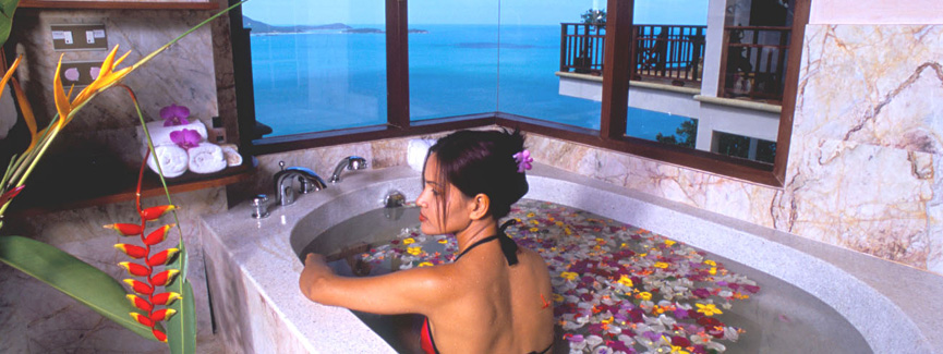 Sandalwoord Luxuri Villas room - Honeymoon hotel reivew
