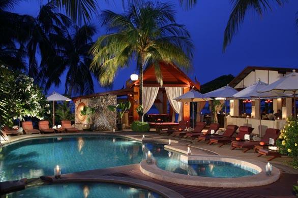 Zazen Boutique & Spa, Samui - Pool at evening